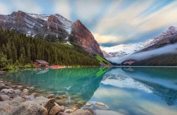 Lake Louise and Rocky Mountaineer Train